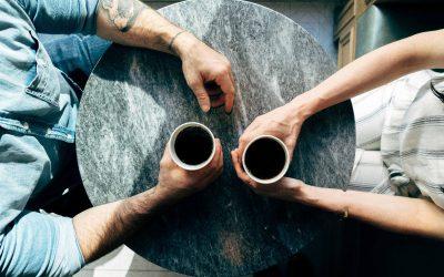 Waarom je af en toe een goed gesprek moet voeren